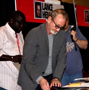 Robert Englund preps to greet fans. Photo By: Alexa Tomaszewski