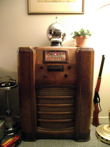 A Westinghouse radio from 1940